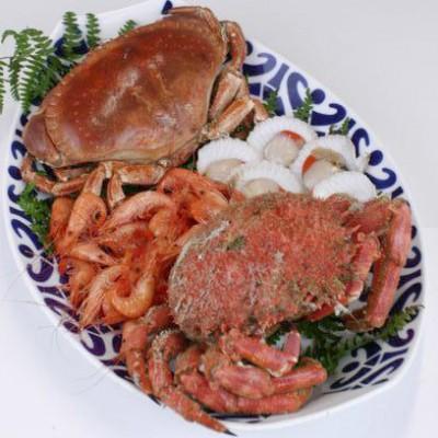 mariscada de camarón, buey, zamburiña y centolla